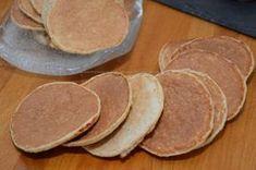 Pancake di crusca d'avena-03 My Favorite Food, Favorite Recipes, Dukan Diet, Biscotti, Breakfast Dessert, Finger Foods, Eat Cake, Food And Drink, Nutrition