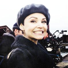 Ginnifer Goodwin (Snow White) on the set of Once Upon A Time. she is the cutest! Ginny Goodwin, Ginnifer Goodwin, Best Tv Shows, Best Shows Ever, Divas, New Profile Pic, Josh Dallas, Between Two Worlds, Pixie Styles