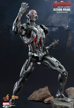 Hot Toys : Avengers: Age of Ultron - Ultron Prime 1/6th scale Collectible Figure