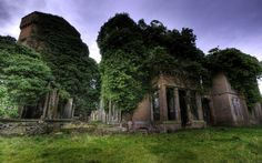 Old Scenic Ruins Abandoned Mansions, Abandoned Buildings, Abandoned Places, Engagement Ring Sizes, Home Wallpaper, Wallpaper Desktop, Hd Backgrounds, Wallpapers, Red Bricks