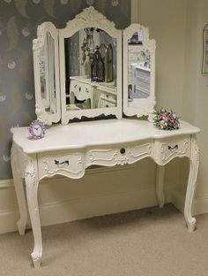 'Duchess' Large Cream ornate dressing table and triple mirror. 120cms wide x54 cms deep x 79cms high. 409.95 pounds