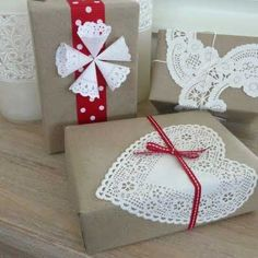 SUPER cute package wrapping ideas. Super cute for Christmas time!!