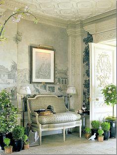 Howard Slatkin's NYC Apartment... Looks like a Paris Apartment