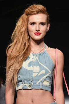 Bella Thorne's sideswept hairstyle