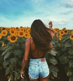 imagen discovered by ❥ e s m é e. Discover (and save!) your own images and videos on We Heart It ♡pinterest: @lauracindysuganda                                                                                                                                                                                 More Beachwear, Swimwear, Summer Vibes, Beach Playsuit, Outfit Beach, Beach Outfits, Bathing Suits, Swimsuit, Swimsuits