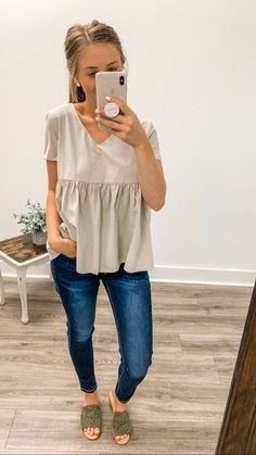 Fashion Hacks Outfit Im in your corner. women fall outfits maroon Click the link for more women fall outfits maroon Casual Summer Outfits For Women, Cute Casual Outfits, Spring Outfits, Work Outfits, Winter Outfits, Emo Outfits, Casual Styles, Fall Fashion Trends, Sweater Weather