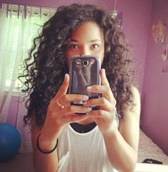 Products for curly hair...i could so do this with my hair!!