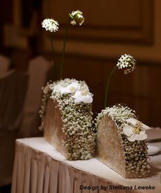 via Bulgarian Academy of Floristry – Flowers Desing Ideas Flower Centerpieces, Flower Decorations, Wedding Decorations, Table Decorations, Ikebana, Table Arrangements, Floral Arrangements, Deco Floral, Floral Design