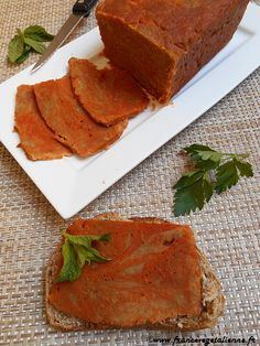 Jambon de seitan (recette végane) Vegetarian Day, Vegetarian Recipes, Healthy Recipes, Vegetarian Cooking, Healthy Food, Healthy Eating, Vegan Pumpkin Pie, Vegan Protein, Vegan Life