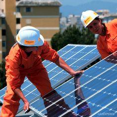 Greenpeace installs solar panels on a school in Palma de Mallorca, Spain Solar Panel Installation, Solar Panels, Fishing Boats, Sustainability, Spain, Canada, School, Beauty, Sun Panels