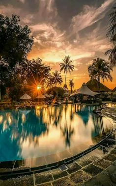 Sunset in Indonesia ☀️ Photo by Beautiful Places To Travel, Cool Places To Visit, Beautiful World, Places To Go, Beautiful Sunset, Vacation Places, Best Vacations, Paradis Tropical, Photos Voyages