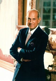 Iconic fashion designer Oscar de la Renta was born in the Dominican Republic - Fashion Designer of 1990s   Dominican Republic Mourns Death of Fashion Icon Oscar de la Renta. (n.d.). Retrieved April 03, 2017, from http://redcarpetshelley.com/home/dominican-republic-mourns-death-of-fashion-icon-oscar-de-la-renta/