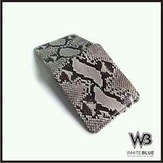 Men wallet leather.  Www.jualtaskulit.com +6285642717764  #wallet #leathercraft #leatherwork #leatherwallet #menwallet #snakeleather #snakewallet #dompetular #dompetkulit #dompetpria