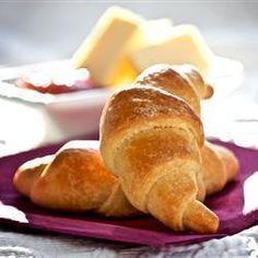 Medialunas de manteca @ allrecipes.com.ar