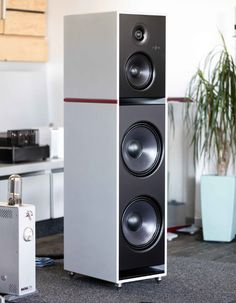 www.perfect-sense.se/varumarken/stenheim Tower Speakers, Best Speakers, Monitor Speakers, Bookshelf Speakers, Speaker Stands, Built In Speakers, Audio Hifi, Audiophile Speakers, High End Hifi