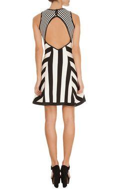 Vestido Renata Campos tricô listrado - preto e branco Fashion Themes, Fashion Hub, Moda Fashion, Hijab Fashion, Rainbow Fashion, Work Attire, Couture Collection, Striped Dress, Beautiful Dresses