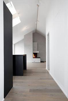 Love the grey hued floor Modern Flooring, Timber Flooring, Grey Flooring, Interior Architecture, Interior And Exterior, Cheap Laminate Flooring, Interior Decorating, Interior Design, Stairs
