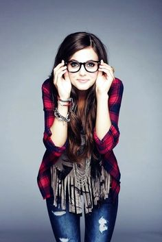 cool-outfits-for-people-with-glasses-28