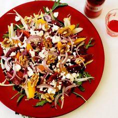 Lekker recept gevonden: Bietensalade met witlof, rucola, walnoot en feta Feta, I Love Food, Cobb Salad, Acai Bowl, Ham, Foodies, Salads, Food And Drink, Veggies