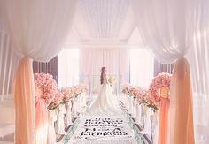 結婚式場探しの迷子さんいますか?人気会場勢ぞろい『プリンセスブライダルフェア』に行くべき4つの理由*にて紹介している画像