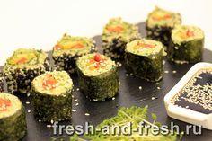 Рецептов сыроедных роллов очень много, начнем с одного из самых простых и приятных. Немного навыка и на приготовление у вас будет уходить не больше 15 минут. ~ семечки подсолнуха очищенные - 2 чашки ~ семечки тыквы очищенные - 1 чашка (по желанию) ~ зелень (укроп, петрушка) -…