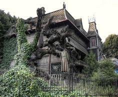 Horror House | Abandoned amusement park