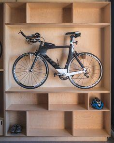 Garage Organisation, Garage Storage, Bici Retro, Bike Storage Apartment, Indoor Bike Storage, Cycle Storage, Bike Storage Solutions, Bike Shelf, Bike Hanger