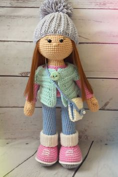 #crochet, free pattern, amigurumi, doll Molly with purse and hat, stuffed toy, #haken, gratis patroon (Engels), pop Molly met muts en tas, knuffel, speelgoed, #haakpatroon