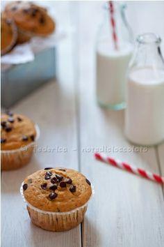 Chocolate chip american muffins- Muffin all'Amaretto e gocce di cioccolato