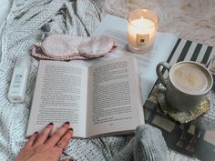 7 ways to make time to read when you have a busy schedule. This is how busy people make time to read every day! Book Club Books, Books To Read, Cosy Reading Corner, Duvet Day, Online Book Club, Starting A Book, Candle Jars, Candles, Silk Eye Mask