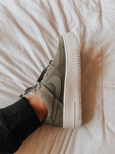 Crazy Shoes, New Shoes, Me Too Shoes, Cute Sneakers, Shoes Sneakers, Zapatillas Nike Force, Mode Converse, Sneakers Fashion, Fashion Shoes