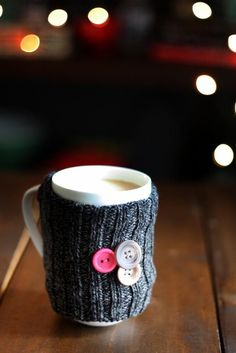 Coffee Mug Sock Cozy | 17 Cozy DIY Projects to Keep You Warm This Winter