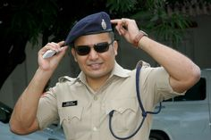 Meet Shivdeep Lande, the real-life 'Singham' who donates over half his salary to charity   #MumbaiPolice   #Mumbai   #Police   #Singham   #ShivdeepLande
