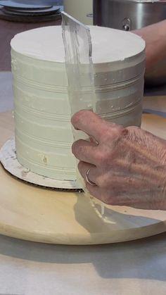 Baking Measurement Conversion, Smash Cake Recipes, Bakery Packaging, Bakery Logo Design, Bakery Business, Shortcrust Pastry, Beautiful Desserts, Unique Cakes, Cake Decorating Tips