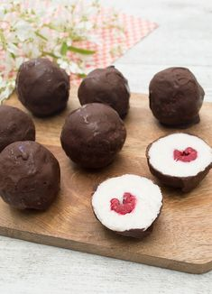 This refined sugar-free truffle is so delicious & the raspberry love heart in the centre makes it a perfect treat for your Valentine. Coconut Truffles, Sugar Free Baking, Raw Chocolate, Low Carb Desserts, Healthy Sweets, Sweet Recipes, Food Processor Recipes, Raspberry, Sweet Treats