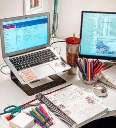 School Organization Notes, Medicine Student, School Study Tips, Workspace Inspiration, Study Areas, Studyblr, Study Motivation, I School, Homework
