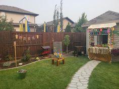 Hawaiian, Deck, Party Ideas, Cabin, House Styles, Outdoor Decor, Home Decor, Front Porch, Fete Ideas
