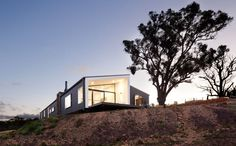 Last week a prefab modular home caught my eye, so I thought I'd search for a few companies in Australia who make them. These could be a great alternative to the regular home, especially if you want to make a statement.