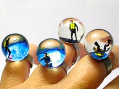 Little people in resin by Gold Fingers Barcelona.