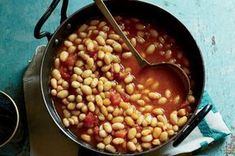 Kurdish White Beans with Tomatoes and Dried Lime Recipe - Naomi Duguid Lime Recipes, Bean Recipes, Drink Recipes, Dried Lime Recipe, Turkish Recipes, Indian Food Recipes, Kurdish Food, Turmeric Recipes, Vegan Lunch Recipes