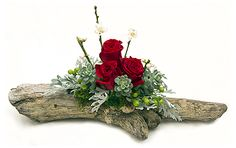 Driftwood Roses, DIY and Crafts, Send Driftwood Roses in Manhattan Beach, CA from Deep Roots Floral Design Studio, the best florist in Manhattan Beach. All flowers are hand delivered . Christmas Floral Arrangements, Succulent Arrangements, Fresh Flower Delivery, Same Day Flower Delivery, Deco Floral, Floral Design, Burlap Wedding Arch, Arreglos Ikebana, Driftwood Centerpiece