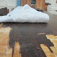 How to Strip Veneer - no fumes, no power tools, EASY! Water, vinegar and a towel.