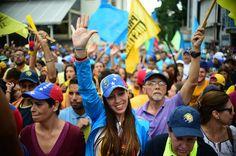 Opositores venezolanos empiezan a movilizarse para exigir referendo contra Maduro