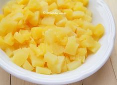 Tiramisu cu ananas - Tiramisu fara oua - Desert De Casa - Maria Popa Tiramisu, Fruit Salad, Cantaloupe, Pineapple, Recipes, Fruit Salads, Pine Apple, Ripped Recipes