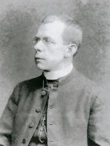 Thomas Byles (A priest) on the titanic refused a place on a life boat twice, and stayed behind to hear confessions and give absolution to people left on the ship.