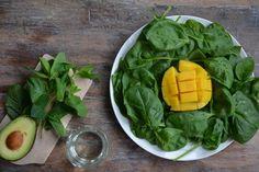 Met deze groene smoothie als ontbijt begint je maag pas te knorren rond lunchtijd. Bomvol vitaminen en mineralen, dus supergezond. De munt en mango geven de smoothie een frisse en zoete smaak. Doe het…