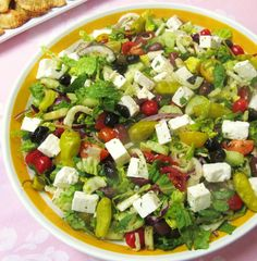 SWEET ALMOND TREE: GREEK SALAD FOR A CROWD (salad is not that good but recipe for vinaigrette is :) )