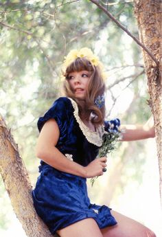 Miss Pamela...want to look like the adorable Pamela Des Barres? Find the essentials you'll need in Thistle's summer issue: http://issuu.com/thistlemag/docs/freedom-summer2013