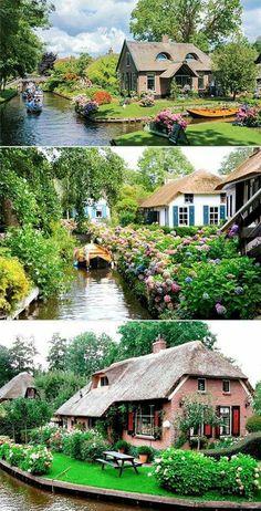 Yaşanılası Masal Köyü Giethoorn... Hollanda'da bir köy. Arabalar giremiyor, sokakları da yok. evlere sadece sandallar ve köprüler yoluyla ulaşılıyor, zaten evlerin büyük kısmı da minik adaların üzerinde. Hollanda'nın Venediği...