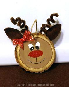 Wood Slice Reindeer DIY Ornament Make some fun holiday memories and craft these 26 Adorable Handmade Christmas Ornaments for your tree. There are so many DIY Christmas Ornaments to make. Handmade Christmas Decorations, Christmas Ornaments To Make, Christmas Wood, Christmas Crafts For Kids, Christmas Projects, Holiday Crafts, Christmas Gifts, Reindeer Christmas, Hobby Lobby Christmas